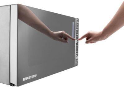 Microondas-Brastemp-32-litrso-com-Grill-BMG45-ajuste-relógio