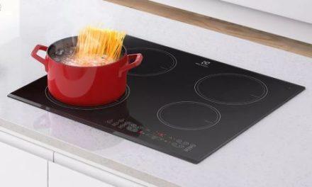 Manual de instruções do cooktop de indução Electrolux 4 zonas IC60